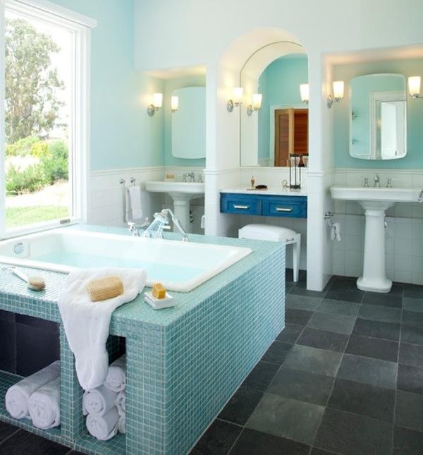 undercounter bathtub storage