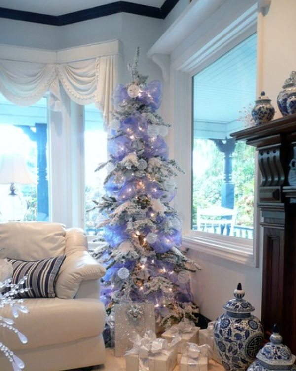 42 christmas tree decorating ideas you should take in for Blue gold and white christmas tree