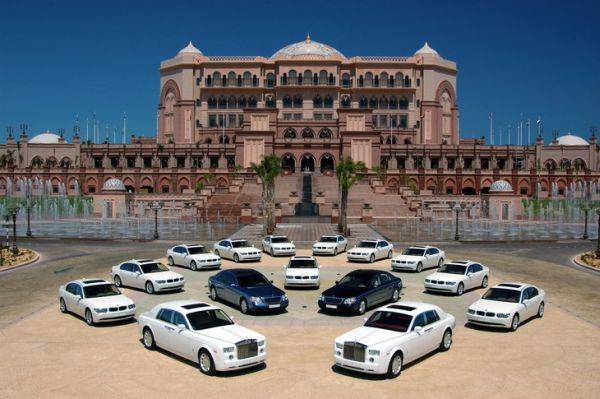 The Emirates Palace Is A Luxury Hotel That Can Be Found In Abu Dhabi United Arab Was Designed By Architect John Elliott RIBA