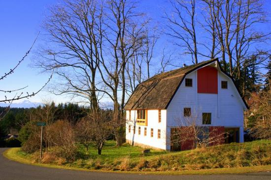 11 amazing old barns turned into beautiful homes for Barn home builders near me