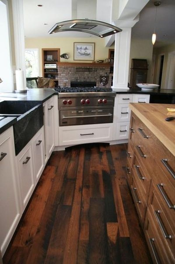 Reclaimed wood flooring an eco friendly option that for Reclaimed hardwood flooring