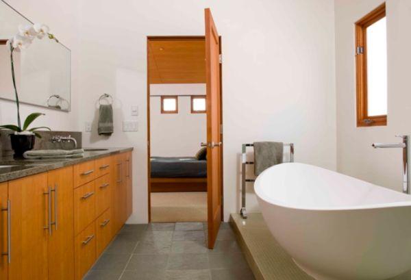 Freestanding Bathtub Shelf