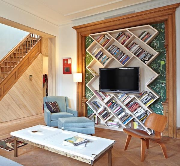 Bücherregal geometrisch