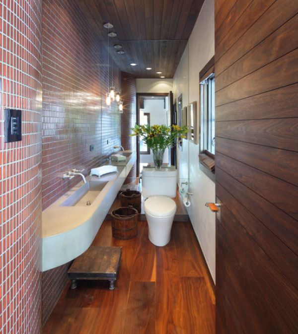 Decorating tips for smaller en suite bathrooms for Long narrow master bathroom floor plans