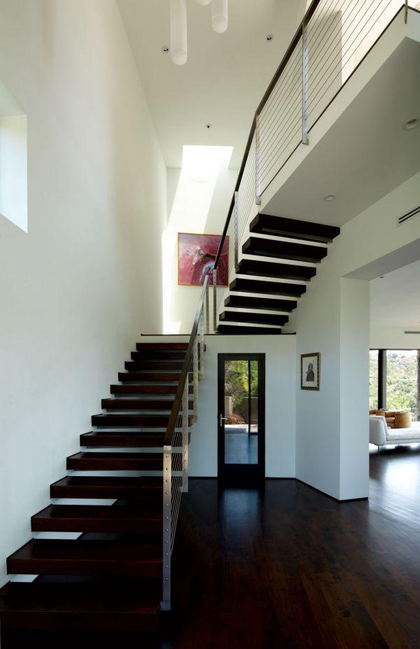 Striking Residence In Los Angeles, California.