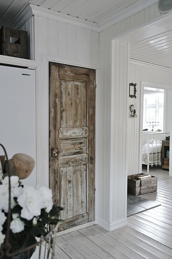 5 ways to use vintage doors for Puertas pintadas originales