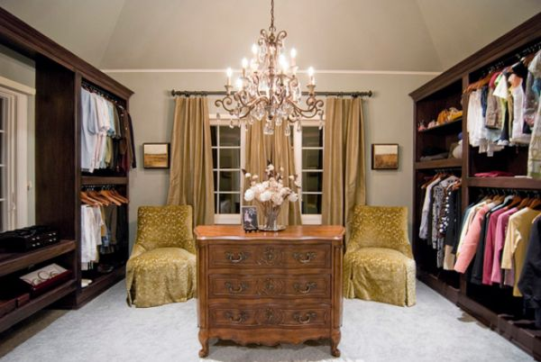 Good ... View In Gallery Traditional Walk In Closet Featuring A Dresser ...