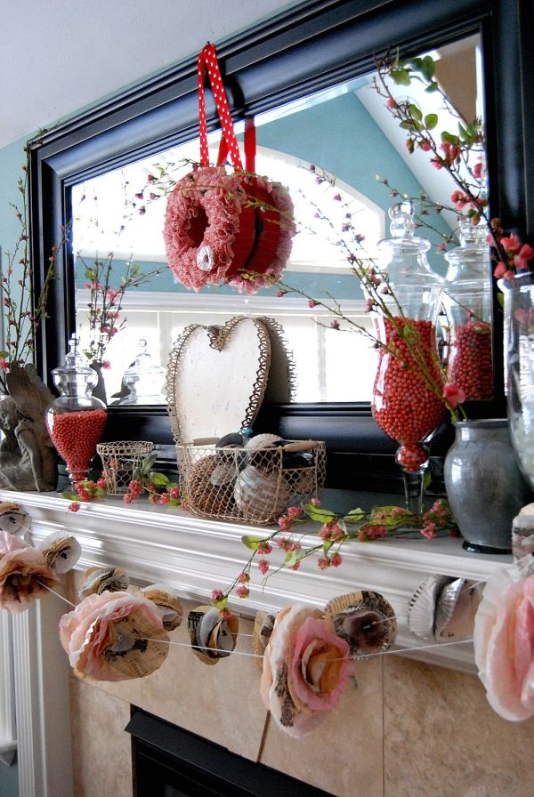20 gorgeous valentines day mantel dcor ideas - Valentines Day Decor