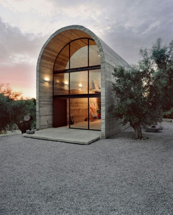 The art warehouse an expression of simple modern for Famous minimalist buildings
