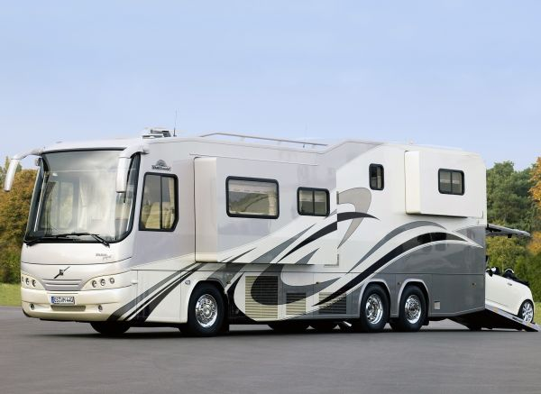 Luxury Living on Wheels: 6 Stunning RVs that will Make You Drool on custom luxury rv, most expensive luxury rv, mobile luxury home, top 10 luxury rv, gulf shores luxury rv,