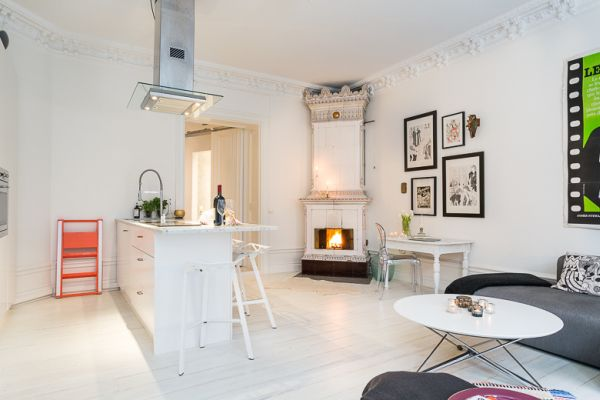47 square meter apartment in stockholm decorated with elegance for Living room 10 square meters
