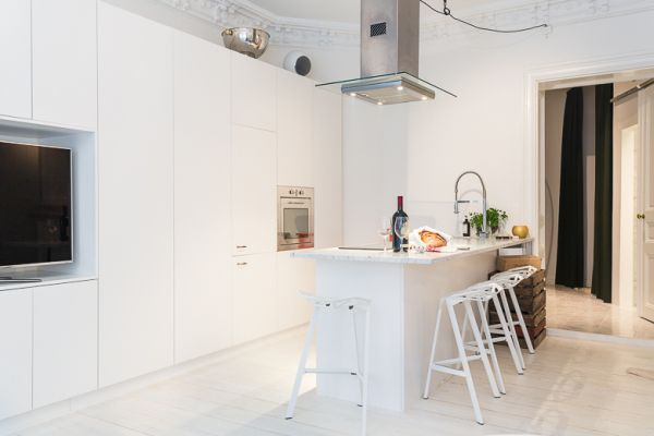 30516 additionally Infinity Bay Condos For Sale in addition Italian Kitchen furthermore Modern Meets Traditional In This Award Winning Farmhouse furthermore 47 Square Meter Apartment In Stockholm Decorated With Elegance. on open floor plan kitchen living room design
