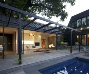 Stunning pool house reflecting the chic design of its main residence