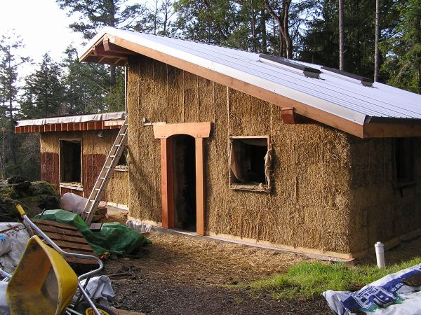 Fine 10 Straw Bale Homes An Eco Friendly Alternative To Explore Home Interior And Landscaping Synyenasavecom
