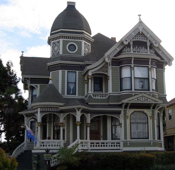 A guide for architectural and interior design styles for Victorian style house