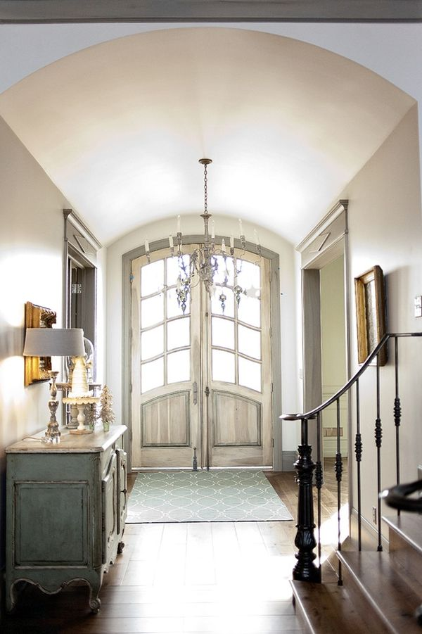 & 5 Things to Keep in Mind when Choosing an Entryway Rug