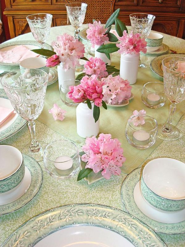 25 Beautiful Table Centerpieces That Are Perfect For Welcoming