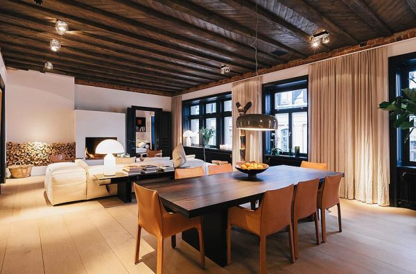 A spacious duplex with a warm and inviting interior
