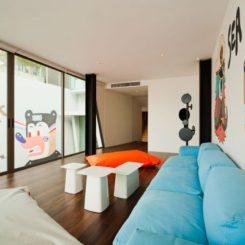 The Bear House U2013 A Cozy Retreat With A Contemporary Décor