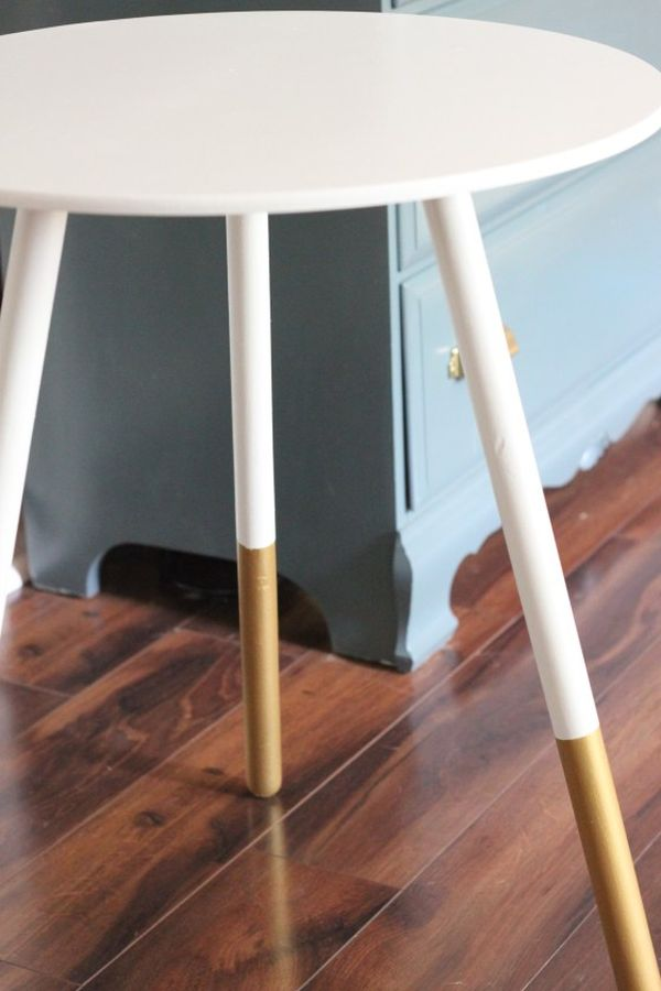Diy gold dipped home accessories and decorations for Round table legs diy