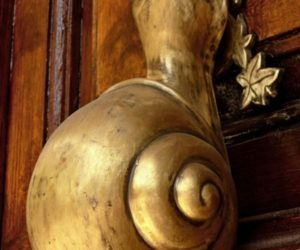 15 Door Knocker Designs That Make The Entrance Stand Out