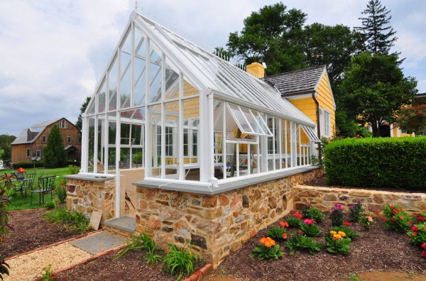 Stylish greenhouse design inspiration for Green homes designs