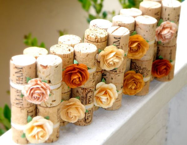 10 upcycle wine corks to decorate your wedding reception rh homedit com