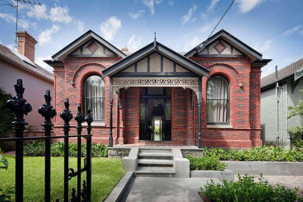 A Home With A Historic Façade And A Surprising Interior Idea