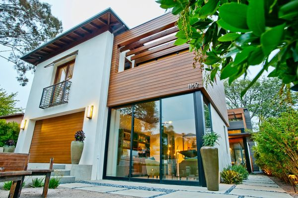 Wood-paneling facades – texture and beauty ready to be exploited
