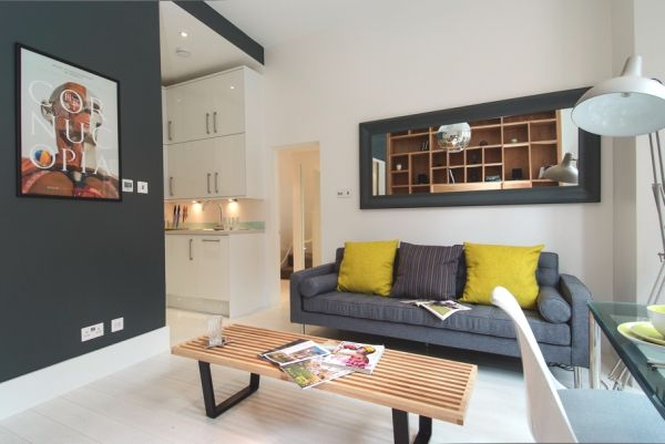 A small flat with lots of character in london for Small flat interior
