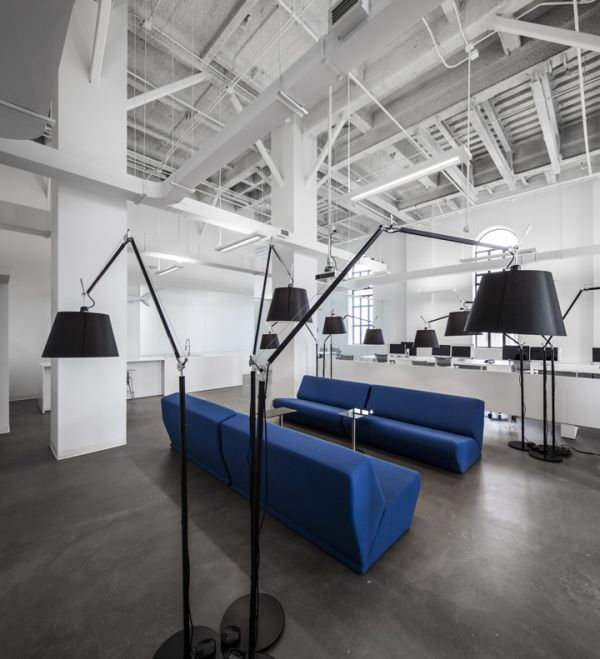 A new office for blue communications that perfectly for Office design blue