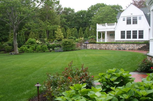 30 wonderful backyard landscaping ideas for Large lot landscaping ideas