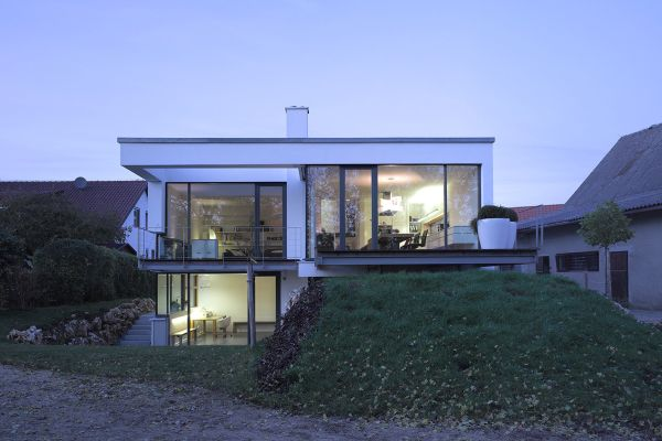 A split level house built in a difficult area of germany Types of split level homes