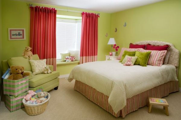 View In Gallery Complementary Colors For The Curtains ...