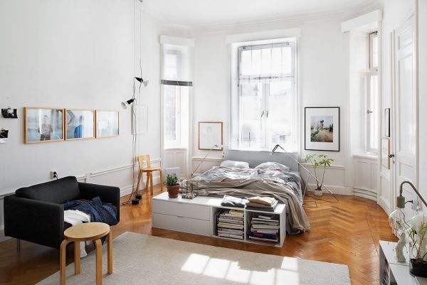 nordic apartment showcases how to decorate an open space. Black Bedroom Furniture Sets. Home Design Ideas