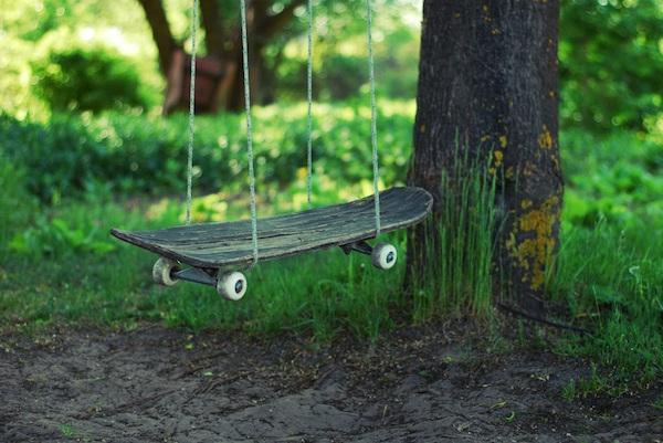 Skateboard Swing.