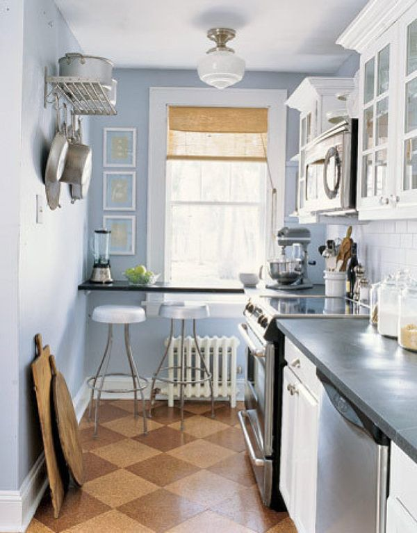 27 space saving design ideas for small kitchens for Kitchen layout designs for small spaces