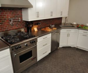 Stainless steel countertops – always the best choice in the kitchen