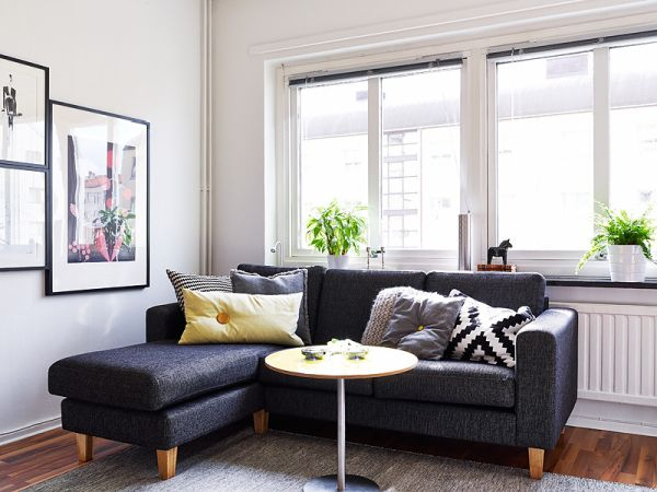 A 25 Square Meter Studio With A Very Organized And Chic