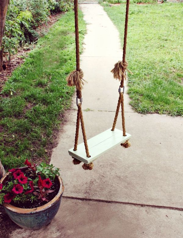 Diy outdoor swings perfect for relaxing in the garden - Wooden garden swing seat plans perfect tranquility ...