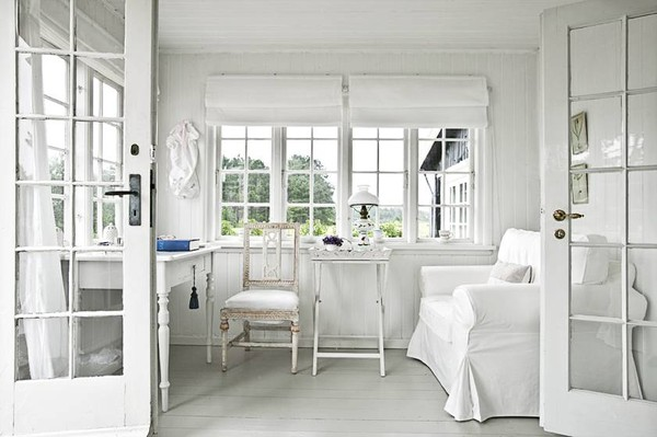 ... View In Gallery An Entirely White Sunroom ...