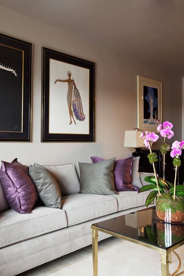 How to use purple in stunning looking living rooms for Mauve living room decor