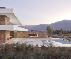 Transparency, cleanliness and harmony in the Madison House from La Quinta