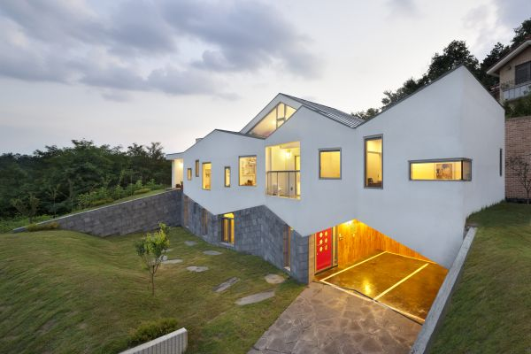 Awesome Contemporary Panorama House Featuring A Multifunctional Staircase Pictures Gallery