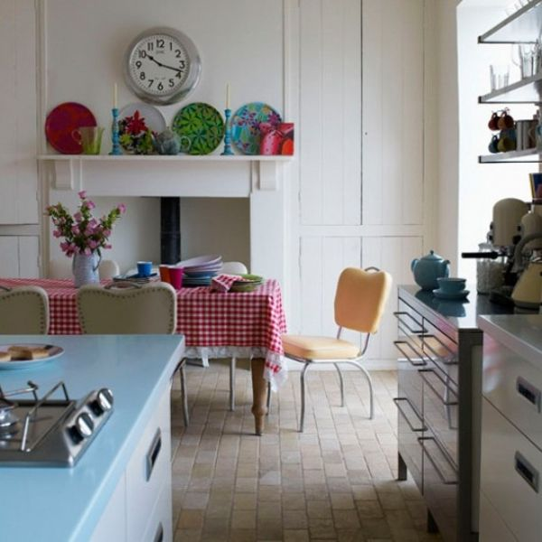 How To Create A Funky, Retro Kitchen