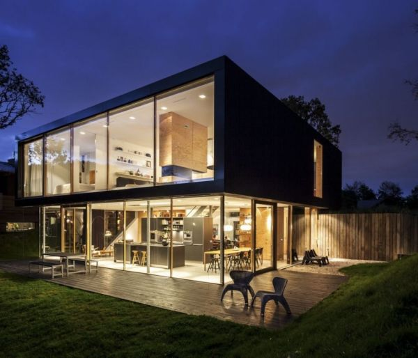 Villa V – a contemporary residence with a problematic site