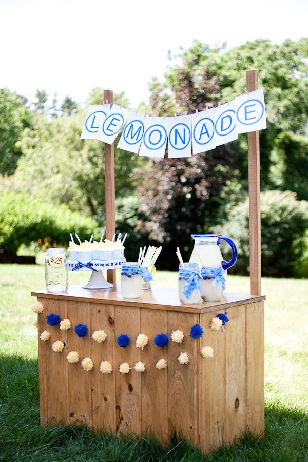 15 Beautiful lemonade stand designs – a great symbol of summer
