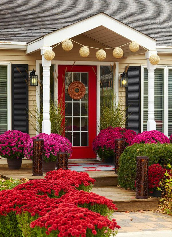 35 front door flower pots for a good first impression for Easy care shrubs front house