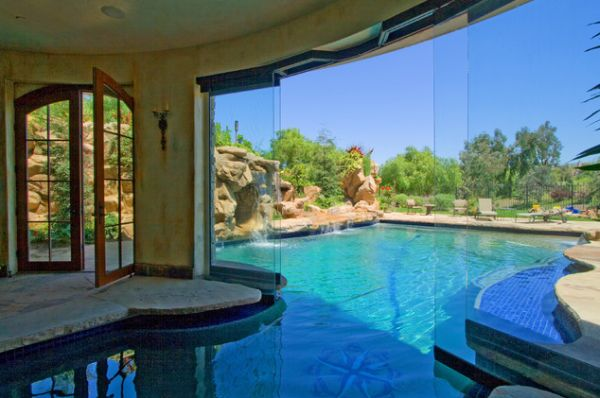 Amazing pools that are both indoor and outdoor for Indoor garden pool
