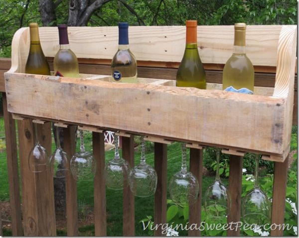 Wine racks and bars made of recycled wooden pallets for Bar exterieur en bois